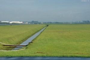 Uno de los respiraderos del humedal sobre el cual se construyó el aeropuerto Eldorado de Bogotá